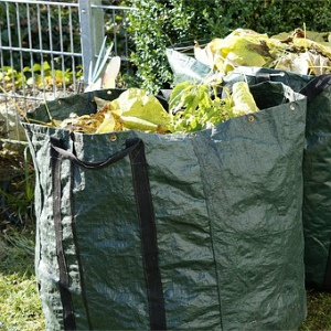 garden waste bags and sacks