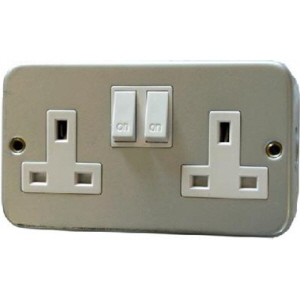 Double Metalclad switched socket