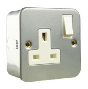 Single Metalclad switched socket